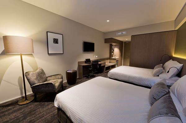 The Glen Hotel & Suites