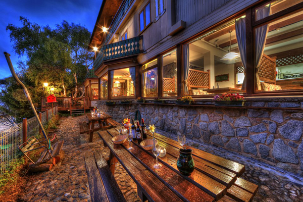 Candlelight Lodge