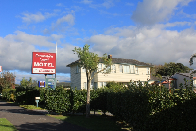 coronation court motel new plymouth. Black Bedroom Furniture Sets. Home Design Ideas